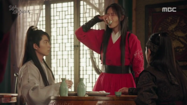 The King Loves Ep 11-12 (7)