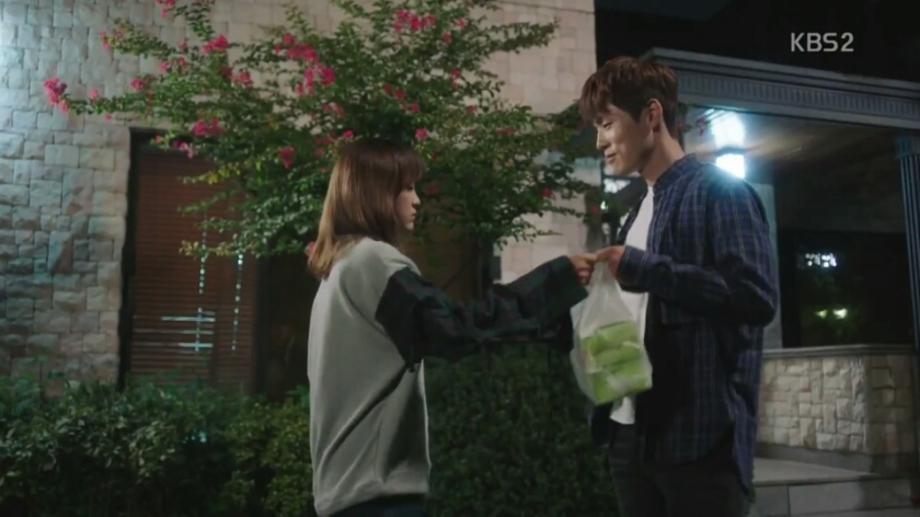 School 2017 episode 16 finale ra eun ho delivers chicken for hyun tae woon