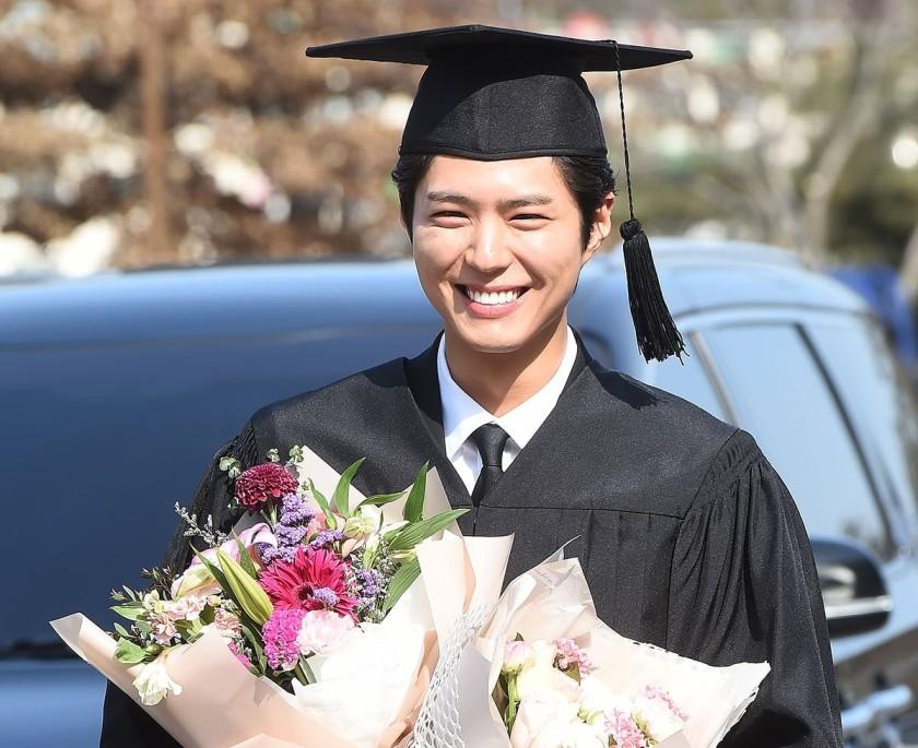 park bogum graduation ahjummamshies