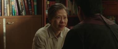 Ye Soo-jung in character as Ja-hong and Soo-hong's deaf mother