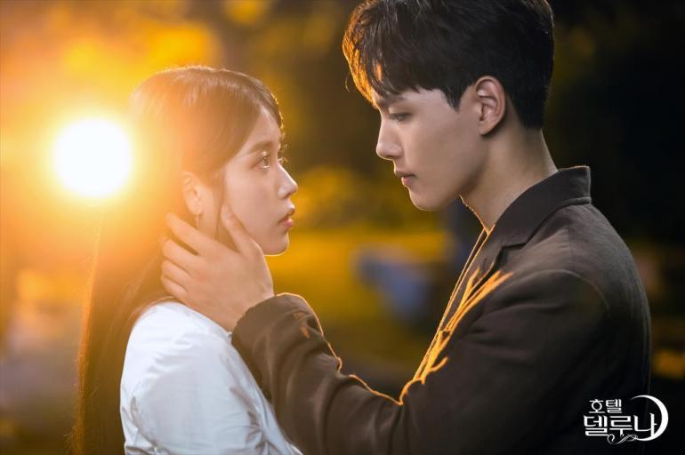 chanseong manweol kiss