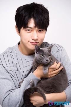 Cat L Kim Myungsoo