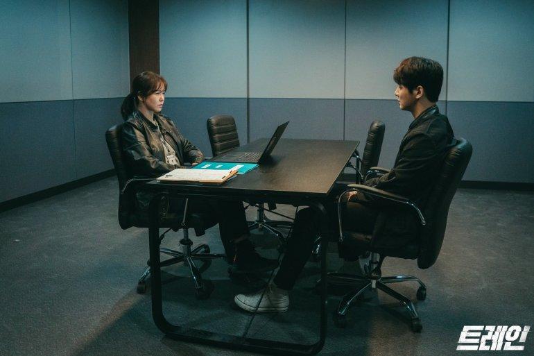 train kdrama yoon siyoon kyung soojin 3